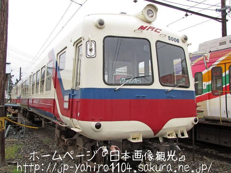 長野・新村駅のかっこいい集会場2