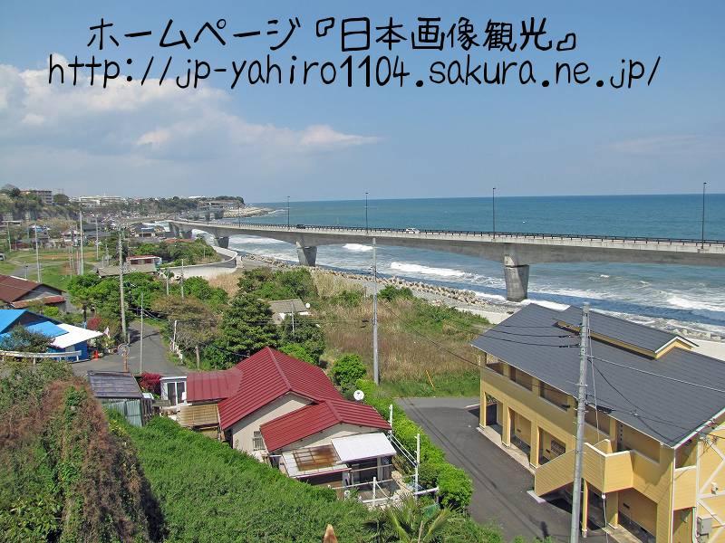 茨城・東日本大震災の爪痕、JR日立駅前から見た海