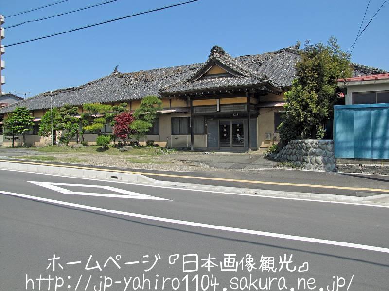 茨城・東日本大震災の爪痕、JR日立駅前の旅館