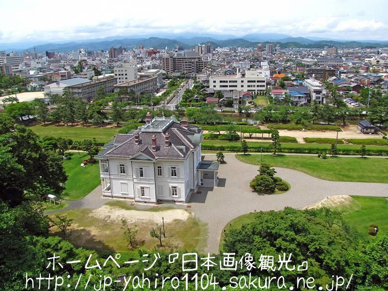鳥取・鳥取城跡の前に建つ仁風閣3