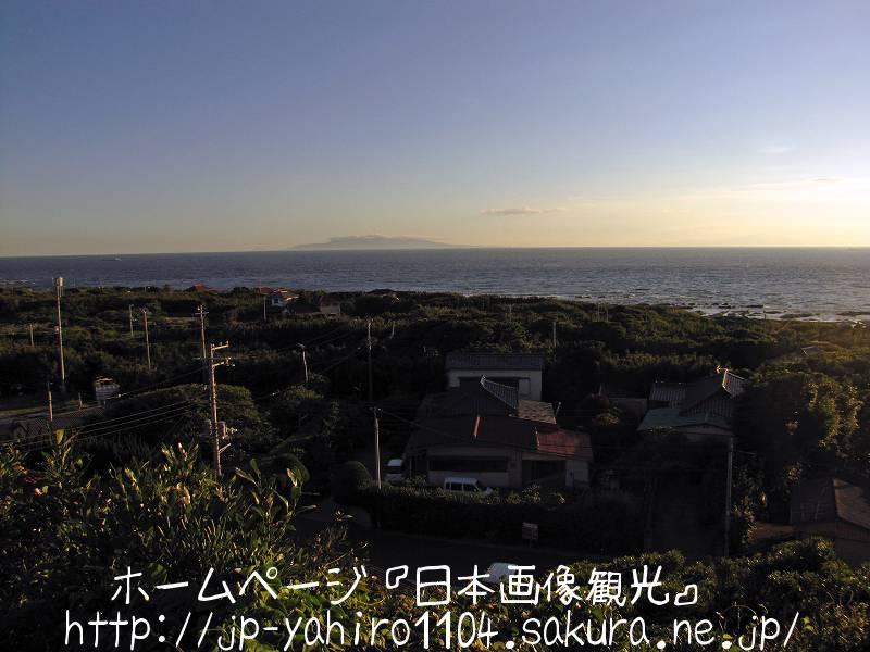 千葉・洲の崎灯台から見た伊豆大島