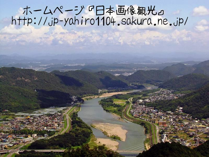 岐阜・岐阜城天守から見た長良川上流部