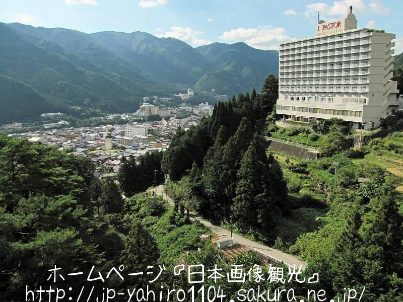 岐阜・日本三名泉、縄文橋から見た下呂温泉2