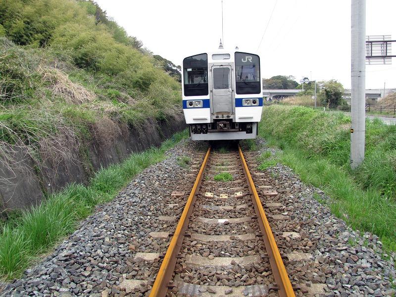 福島常磐線久ノ浜駅付近で立ち往生した電車