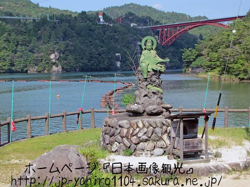 岐阜・ダム湖でできた恵那峡1