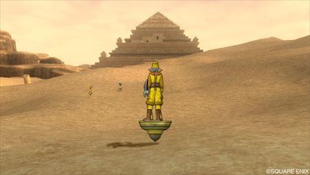 ピラミッド前_R
