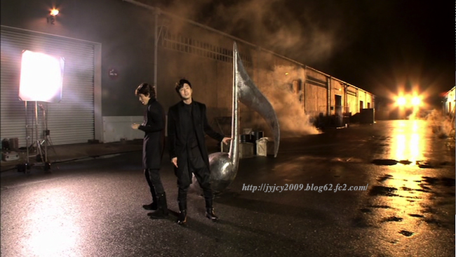 11-tvxq1130duet-making-105-1.png