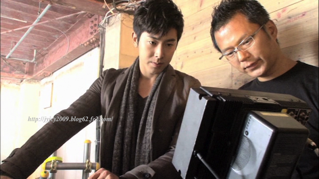 11-tvxq1130duet-making-5-1-1.png