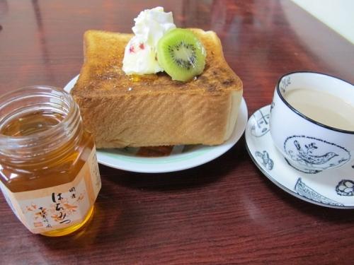 菩提樹蜂蜜でハニートースト!