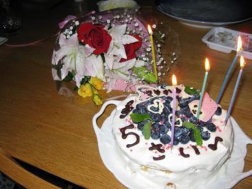 誕生会のケーキIMG_2270