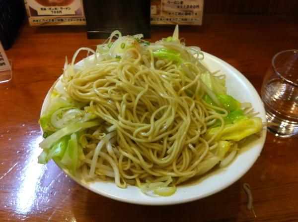 ほめられてのびる店 新川栄太郎 新川二郎ラーメン+にんにくペーストまし 麺