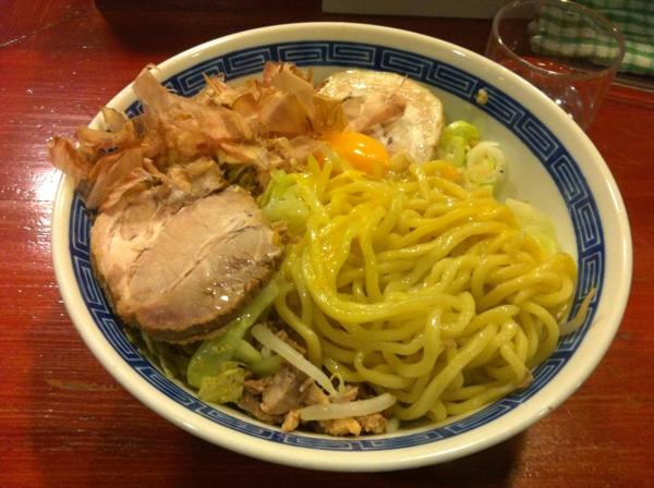 麺屋 十郎兵衛  がっつり塩油そば(大盛り) 麺
