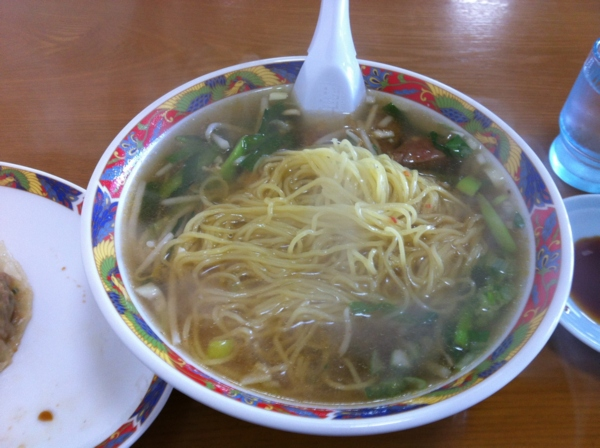 南園 スタミナラーメン 麺