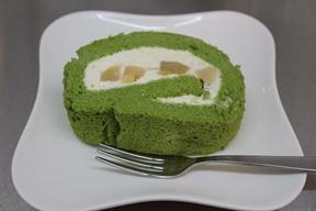 小松菜のロールケーキ