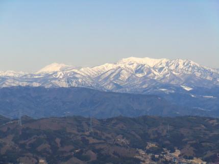 上州武尊山と左奥に至仏山