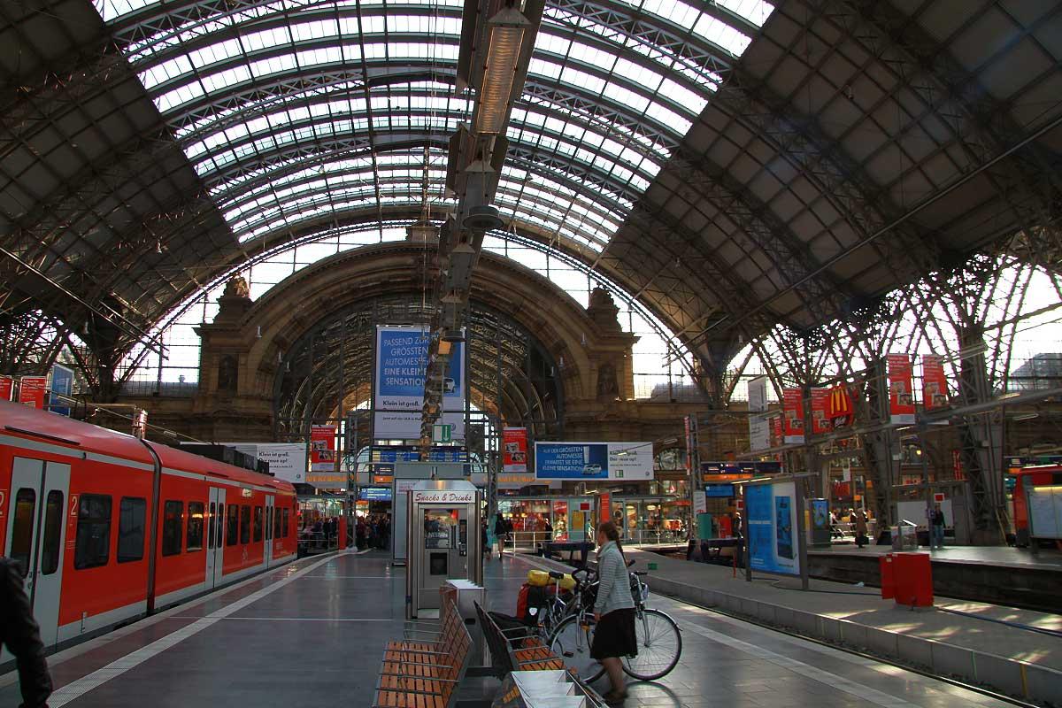 FrankfurtHbf05.jpg