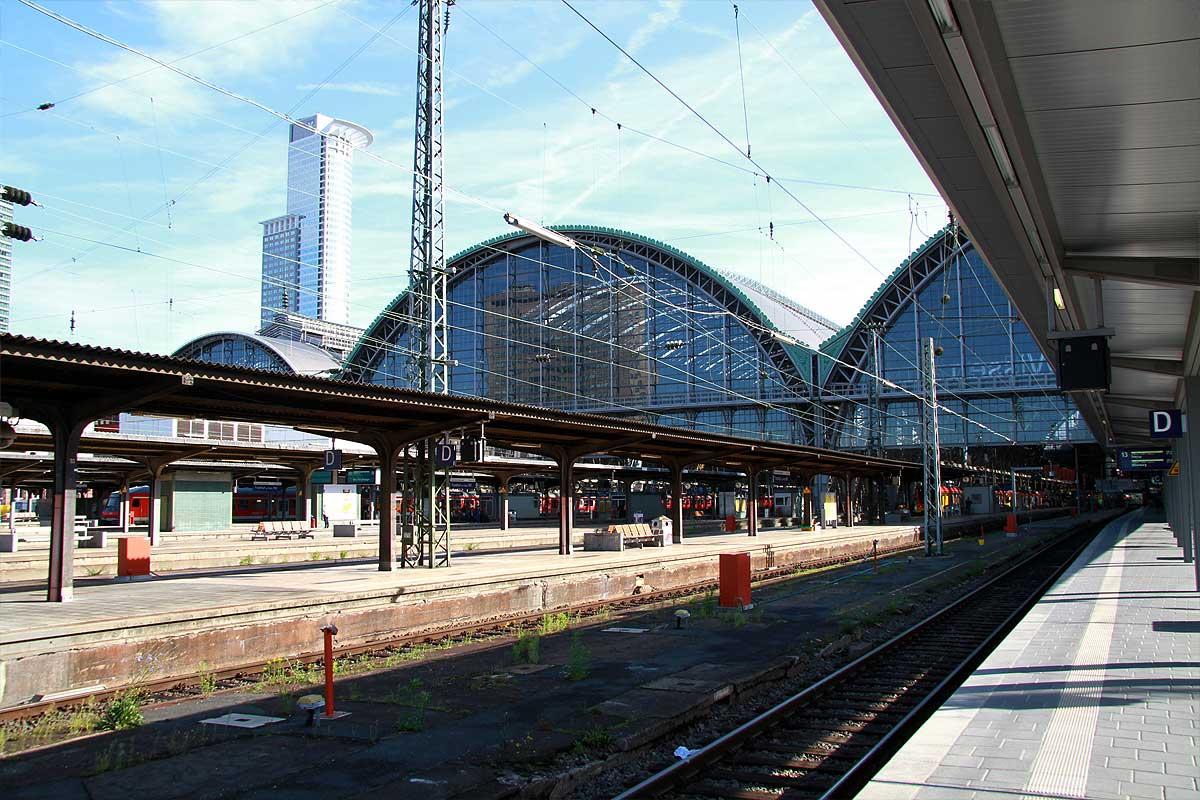 FrankfurtHbf08.jpg