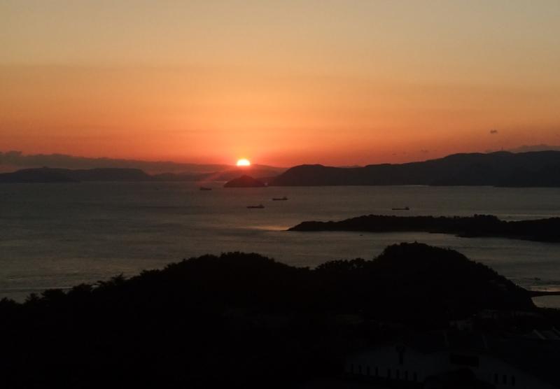 夜明の瀬戸鷲羽山にて