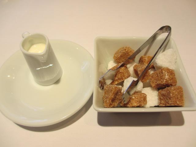 ミルクと砂糖
