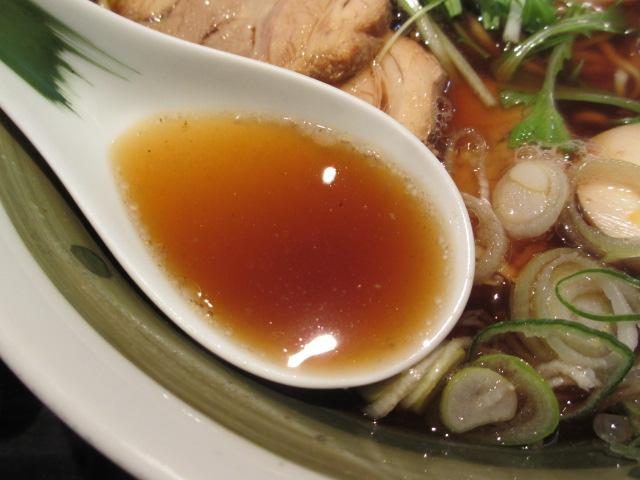 中華そば 全部のせ スープ