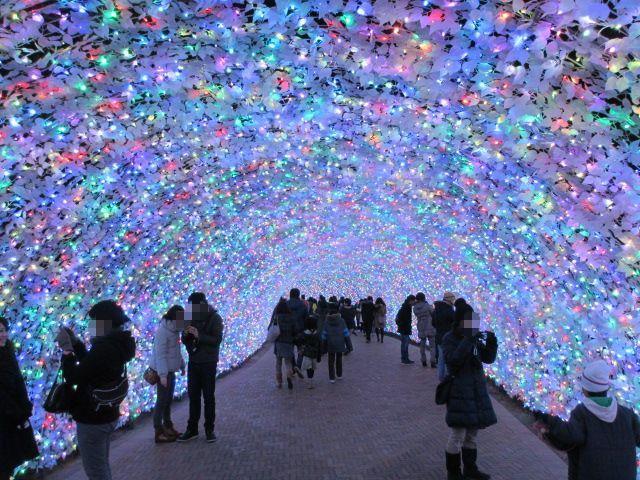 光のトンネル「宝石箱」2