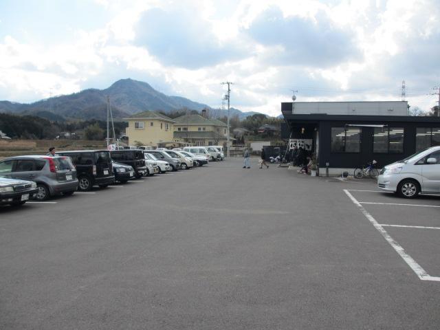 はゆか 駐車場