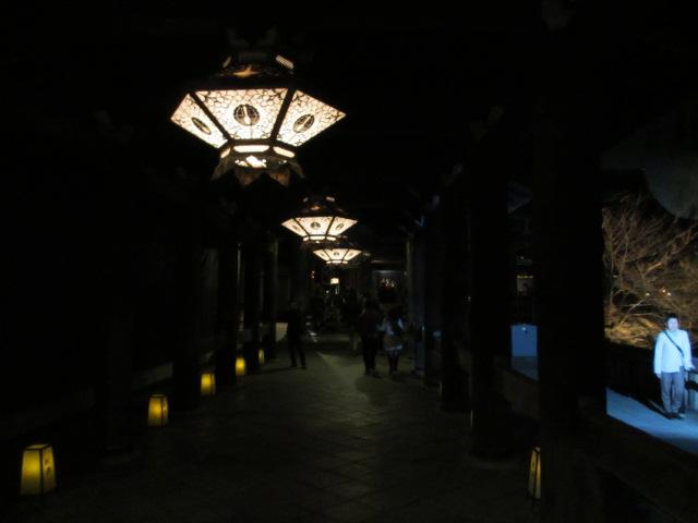 清水寺 本堂へ