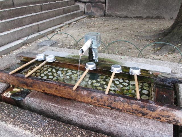 銀明水井戸の井筒