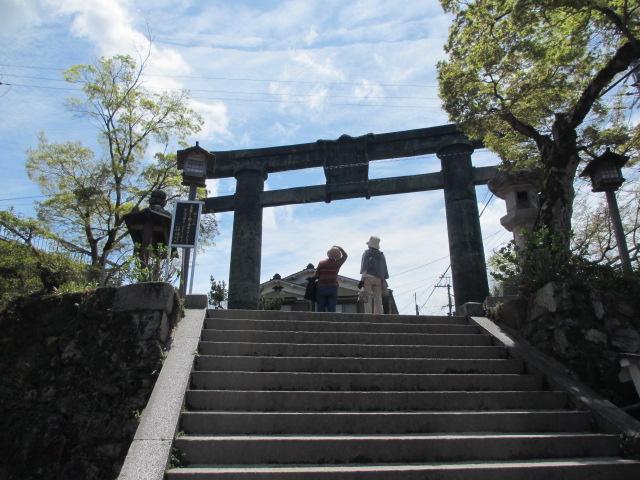 七曲り坂~金峯山寺銅鳥居(銅鳥居)