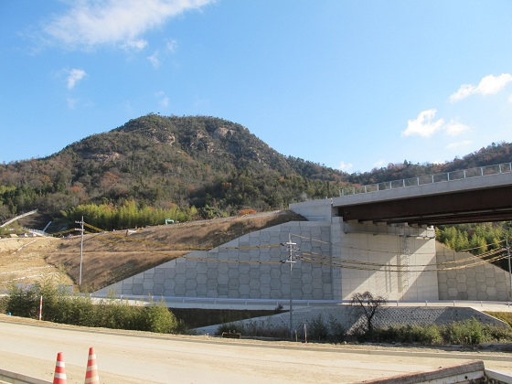 岩山トンネル