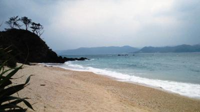 大荒れの鯨浜4
