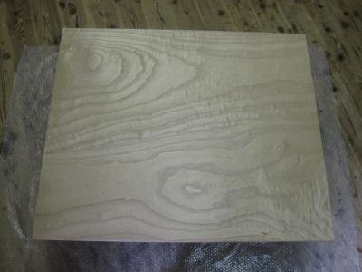 桐の無垢板テーーブルの杢目