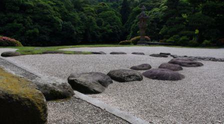 飛石のお庭