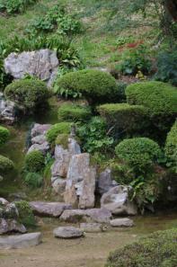 乗光寺庭園の枯滝組