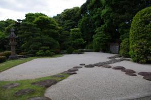 康國寺の延段