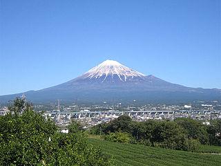 320px-MtFuji_FujiCity.jpg