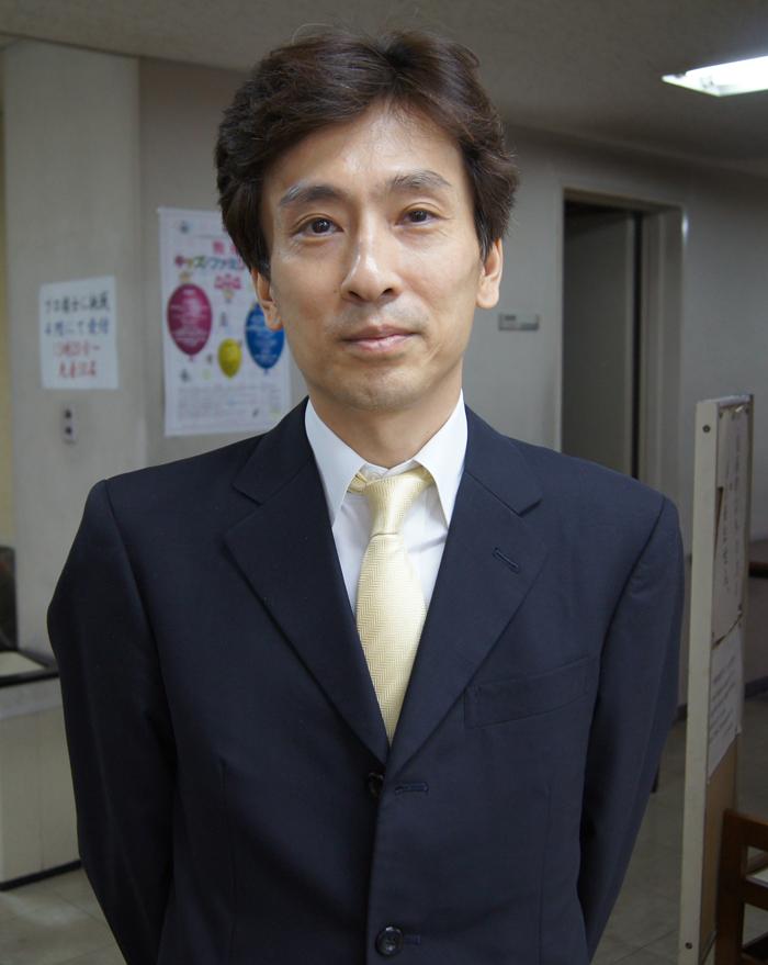 浦野先生。3手詰ハンドブックは下の売店で完売してました!
