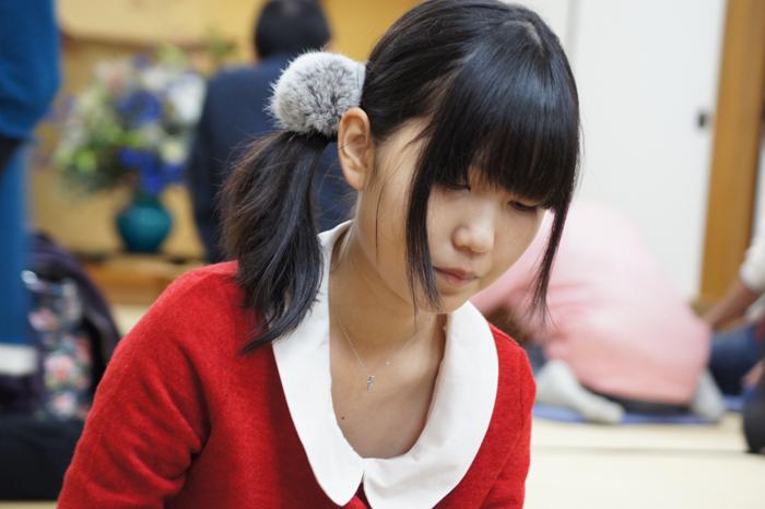 指導対局中の長谷川女流初段。可愛い><