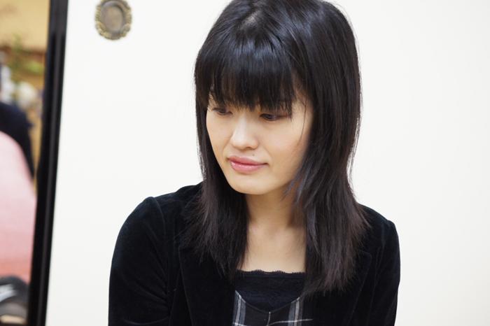 指導対局中の村田女流二段。お美しいです・・・