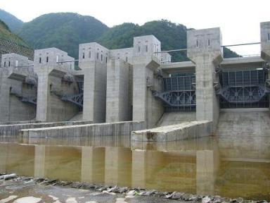 徳山ダム2.JPG