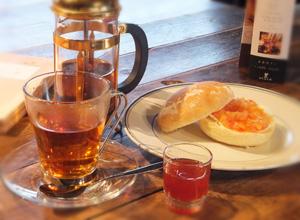 ジャムバーガー+紅茶