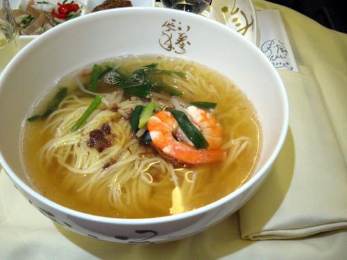 中華航空ビジネスクラス機内食・担仔麺