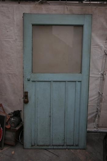 ドア(窓有り)