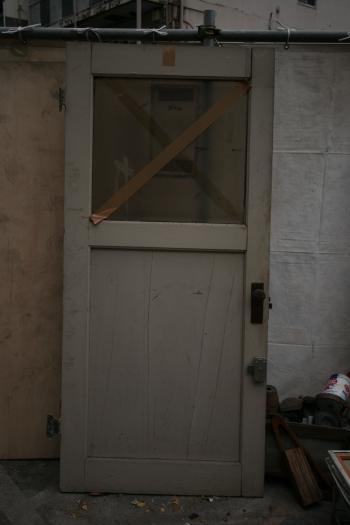 ドア(クリーム色)