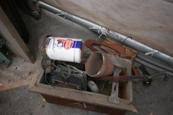 木製のトイレ用水洗タンク