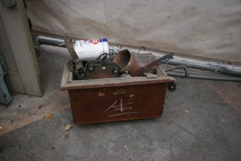 木製のトイレ用水洗タンク(正面)