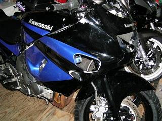 ZZR400275.jpg