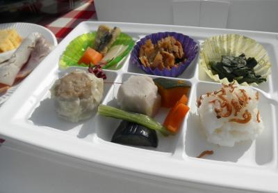 2011.11.12  1000人で食事