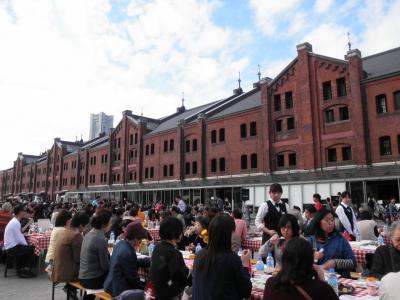 2011.11.12 1000人で食事 赤レンガ倉庫で 1
