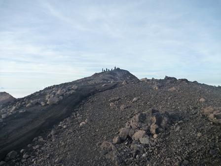 Tugu Surono(3426m)